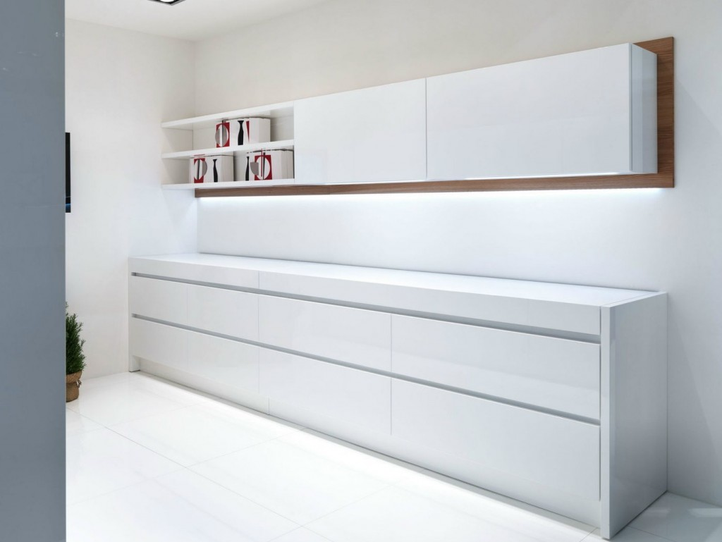 Kitchen handles kembla kitchens Handleless kitchen drawers design
